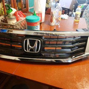 Honda Pilot Grille 2008..2010 for Sale in Happy Valley, OR