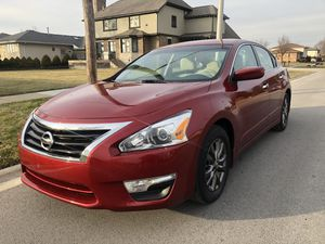 2015 NISSAN ALTIMA (nice) for Sale in Chicago, IL