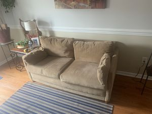 """65"""" sleeper sofa chair for Sale in Baltimore, MD"""