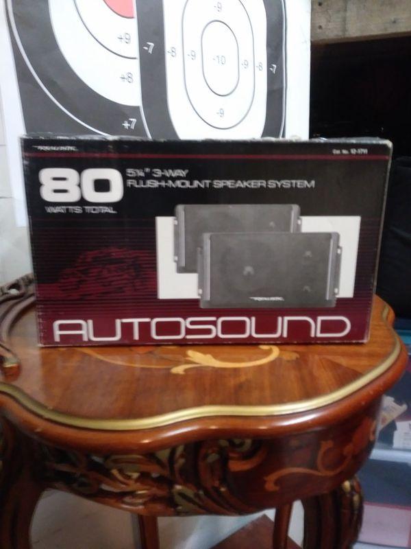 Realistic , Pair of 80 Watt , Speakers