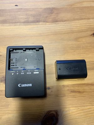 Canon LC-E6/LP-E6/battery wall charger and battery/OEM for Sale in Bothell, WA