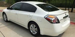 sell Nissan altima white 2010 new post for Sale in Lansing, MI