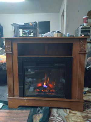 like new Barely Used TV st & fireplace has 6 settings for the flames & a regular fan it was almost $700 when I first got it but I only $200 for Sale in Kennewick, WA