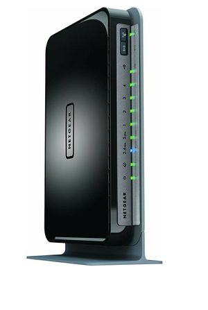 NETGEAR N750 Dual Band 4 Port Wi-Fi Gigabit Router (WNDR4300) for Sale in Houston, TX