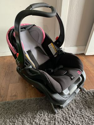 Baby trend car seat and base for Sale in Kansas City, KS