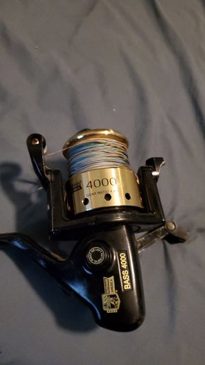 Spinning reel fishing bass 4000 for Sale in Spring Valley, CA