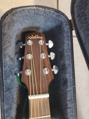 WALDEN ACOUSTIC GUITAR for Sale in Glendale Heights, IL