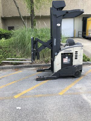 Crown Forklift for Sale in Norcross, GA