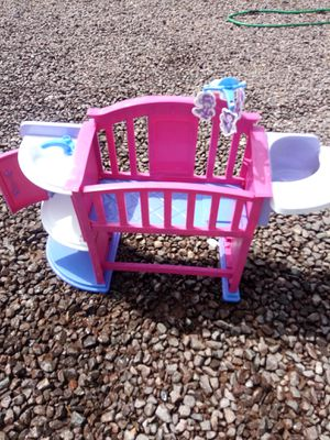 CUTE BABY DOLL BED YES USED BUT IN GREAT SHAPE ASKING $15 firm MUST PICK UP 73RD AVENUE INDIAN SCHOOL for Sale in Phoenix, AZ