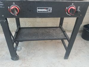 Plancha buenas condiciones $130 OBO sin tanque de gas for Sale in Lake Los Angeles, CA