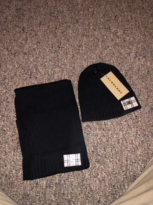 HAT AND SCARF BURBERRY for Sale in Kissimmee, FL