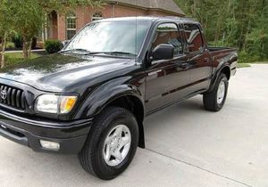 Beautiful 2OO1 Toyota Tacoma 4WDWheels Clean for Sale in Baltimore, MD