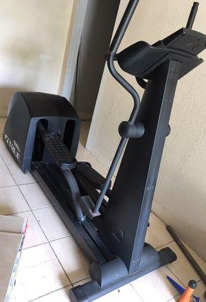 True elliptical machine 600EA for Sale in Pasadena, TX