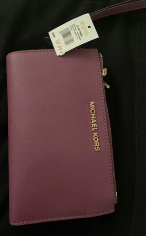 Michael Kors wristlet for Sale in Aurora, IL