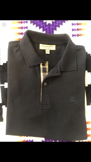 Men's Burberry polo for Sale in Tulalip, WA