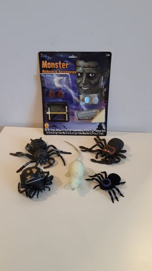 FREE Halloween items, monster makeup, spiders and glow-in-the-dark rat, to the first person that can come and pick them up for Sale in Plantation, FL