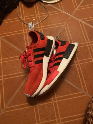 Adidas. sz 10. THROW ME A PRICE!! for Sale in Austell, GA