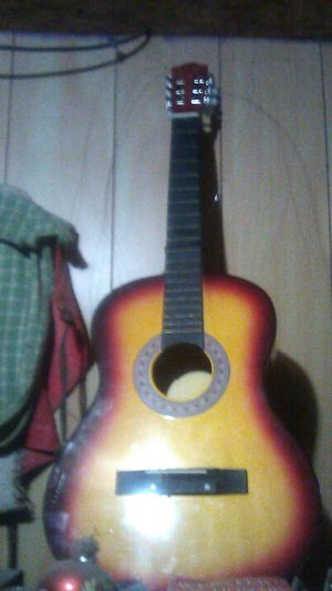Acoustic Guitar for Sale in Parlier, CA