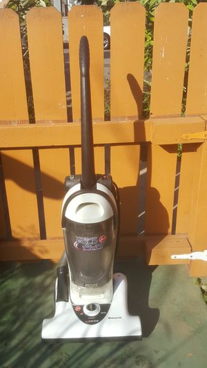 HOOVER VACUUM CLEANER WIDEPATH WITH FOLD DOWN HANDLE 12 AMP MOTOR CLEANING PERFORMANCE=20.0 for Sale in National City, CA