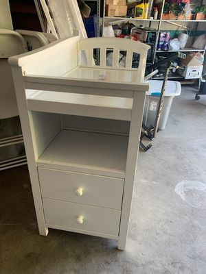 White crib with 3 drawers and changing table no mattress for Sale in Bell, CA