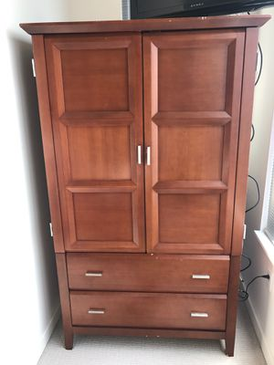 5-piece marching bedroom set - queen for Sale in Silver Spring, MD