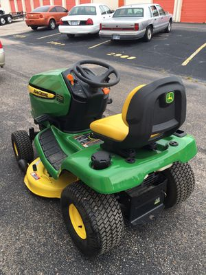 John Deere X300 lawn tractor for Sale in Wichita, KS