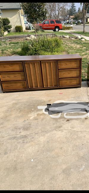 9 drawer dresser with mirror for Sale in Fresno, CA