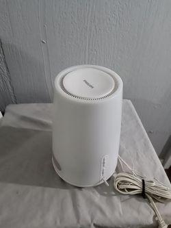 Philips HF3470 Wake-Up Light Therapy Natural Sunrise Lamp Alarm Clock FM Radio for Sale in Merritt Island,  FL