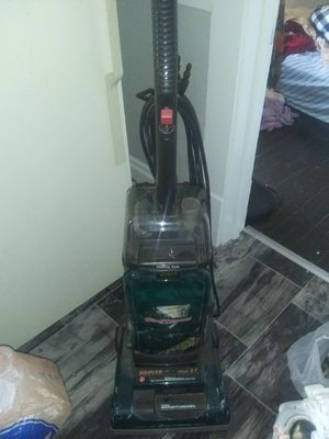 A upright vacuum works great Lakewood Ohio for Sale in Rocky River, OH