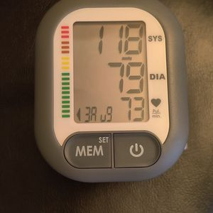 Wrist Blood Pressure Monitor for Sale in Fort Worth, TX