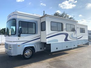 2002 Fleetwood Storm Motorhome class-A 2-Slides Gas Ford V-10 for Sale in CHAMPIONS GT, FL