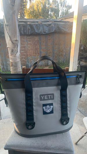 Yeti cooler bag for Sale in Modesto, CA