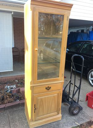 THOMASVILLE FURNITURE DISPLAY CABINET for Sale in Winston-Salem, NC