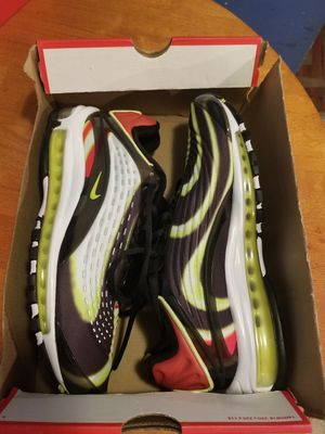 Brand new Size 9.5 nike airmax deluxe for Sale in Everett, WA