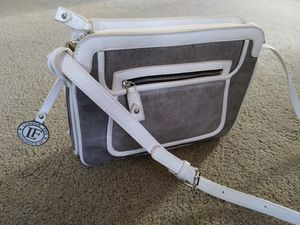 London Fog White/Silver Handbag for Sale in OSBORNVILLE, NJ