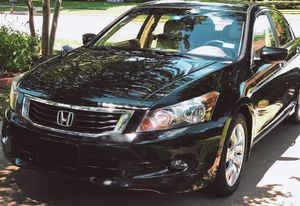 Price $8OO Owner of 2OO9 Honda Accord for Sale in Tallahassee, FL