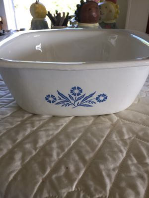 Vintage 4 Qt DUTCH OVEN Pyrex Cornflower for Sale in Scappoose, OR