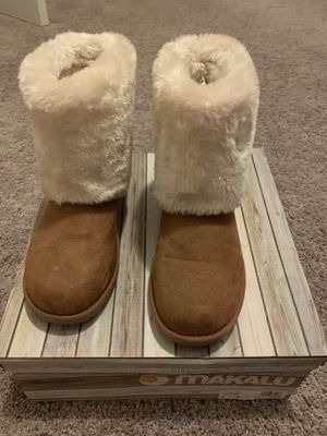 Size 6 girls winter boots for Sale in Lexington, SC