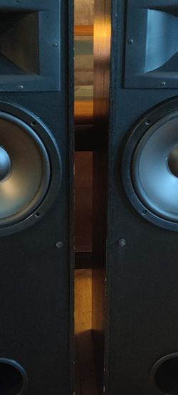 Klipsch 4.5 Tower Speakers Unbelievabley Great for Sale in Portland,  OR