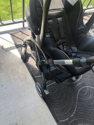 Car seat plus stroller (graco) for Sale in Fairfax, VA