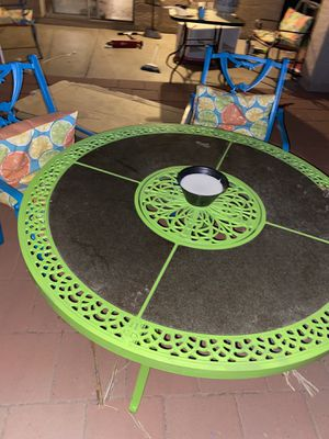 Patio table and chairs set for Sale in Glendale, AZ