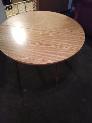 Table for Sale in Lorain, OH