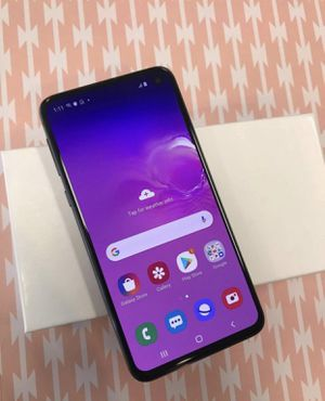 Samsung S10 e unlocked for Sale in Raleigh, NC