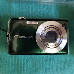 Casio Exilim Camera for Sale in Opa-locka, FL