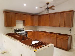 Kitchen Cabinets. for Sale in Orlando, FL