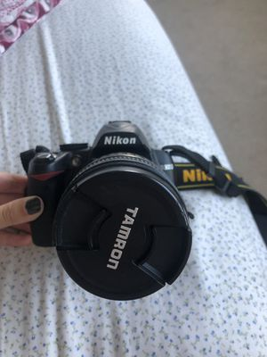 Nikon D3000 for Sale in Denver, CO