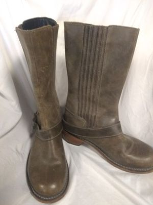Dr martens women's 7.5 boot for Sale in Pittsburgh, PA
