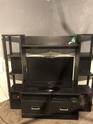 Toshiba flat screen and entertainment center for Sale in Knoxville, TN