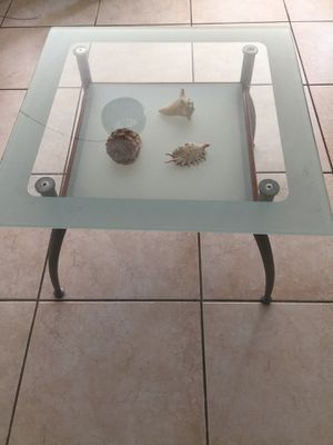 Glass coffee table for Sale in Hallandale Beach, FL