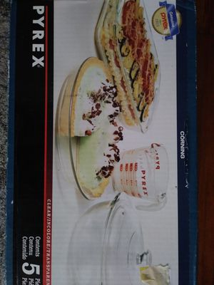 Pyrex baking set for Sale in West Springfield, VA